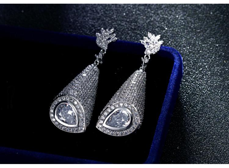 5 Must Have Types Of Earrings For Every Trendsetting Woman
